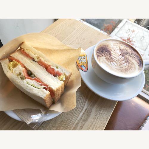 サンドイッチと珈琲