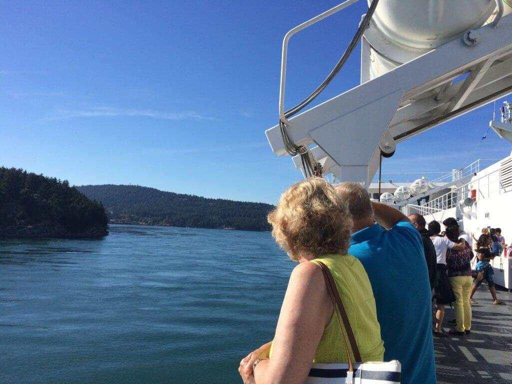 ビクトリア島へ向かう船上