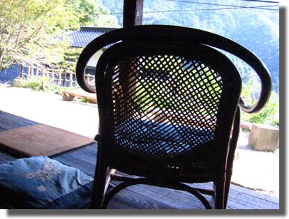 広島 草木染 椅子